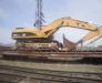 Der Schienentransport der Baumaschinen