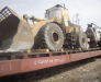 Der Schienentransport der Ausrüstung für den Straßenbau