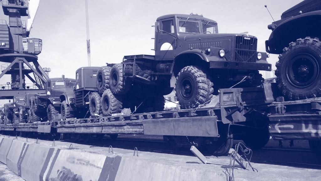 Transport ferroviaire de véhicules (camions, tracteurs, citernes).