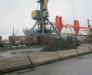 Перевалка грузов с судна на вагоны в портах Поти и Батуми Грузия