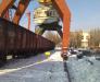 Die Umladung vom Metall in den Häfen aus der Türkei und der Ukraine
