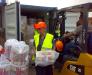 Le transbordement manuel des cargaisons dans le port Odessa, Ukraine
